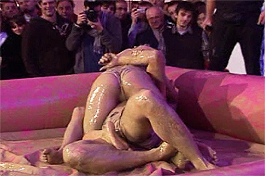 Naked girls doing joga